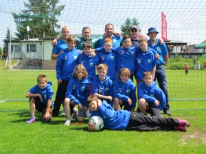 Blaue Shirt E1 Abschlussfeier