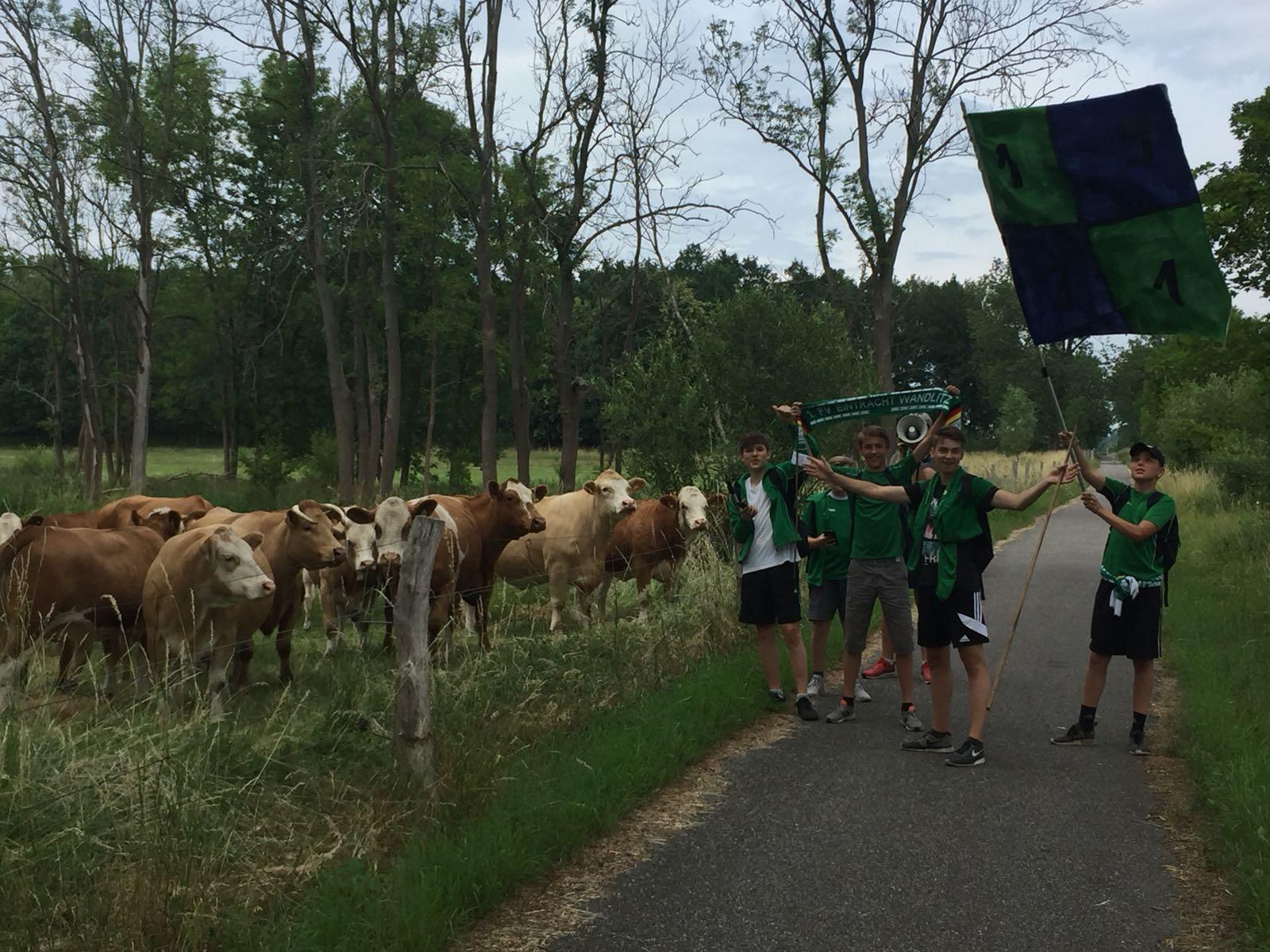 20180616 Wandlitzer Junioren als Ultras zum Spiel nach Alt-Lüdersdorf1